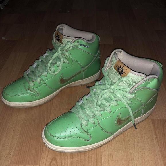 best service ec676 b03f9 Nike SB Dunk High Statue of Liberty size 10 shoes.  M 5b5ce5031b32947ba40c4cea